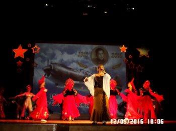 Солистка Ольга Мирошниченко и Театр танца и души номер Я лечу над Россией