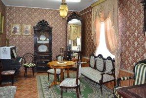 Интерьер жилой комнаты 19 века