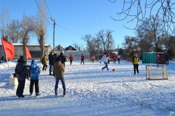День снега - футбол на снегу